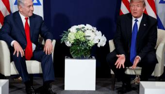 En Davos, Trump amenaza con retirar ayuda a palestinos