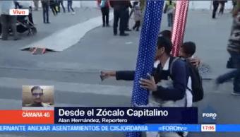 Capitalinos Disfrutan Pista Hielo Zócalo
