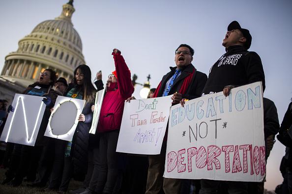 Congresista pide que detengan inmigrantes que asistan discurso Trump