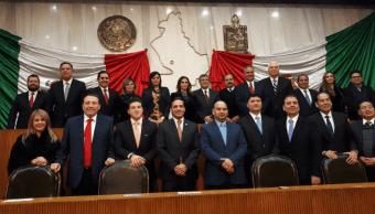 Congreso de Nuevo León toma protesta al gobernador interino
