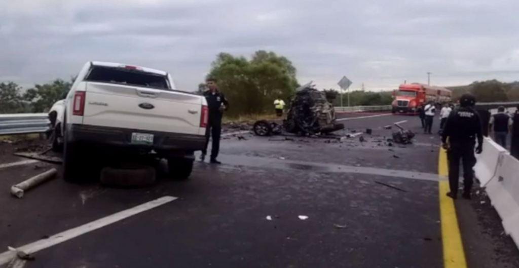 Un bebé y sus padres mueren tras ser impactados en autopista