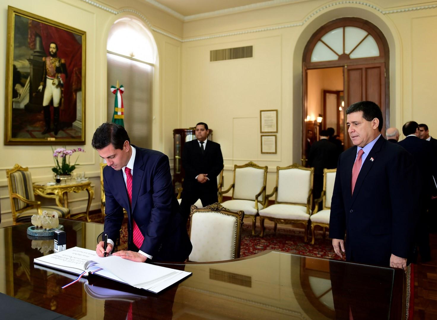 México está dispuesto a reforzar lazos con Paraguay, anuncia EPN