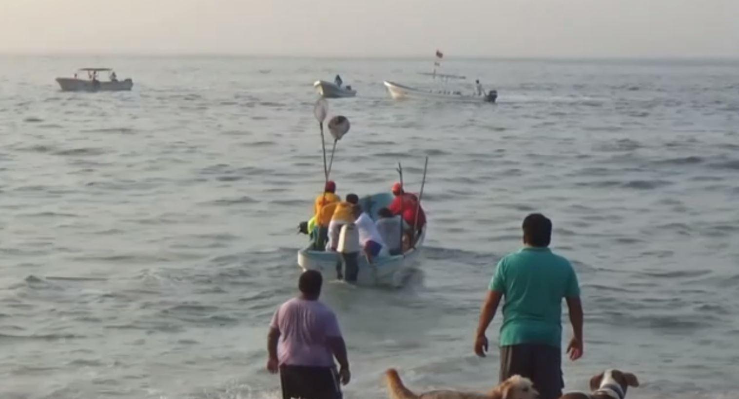 Localiza a embarcación con tres tripulantes a salvo