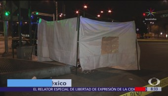 Hallan muerto a hombre en condición de calle en Reforma, CDMX
