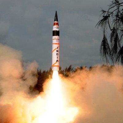 India lanza misil de largo alcance con capacidad nuclear