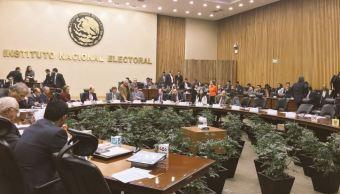 INE denuncia inconsistencias en gastos de precandidatos a la Presidencia