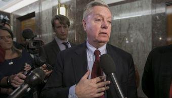"""Senador republicano dice que fiscal de Trama Rusa es el """"tipo perfecto"""""""