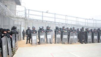 Más de mil elementos realizan operativo en penal 'El Amate'
