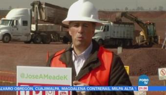Meade recorre las obras del nuevo aeropuerto de la CDMX