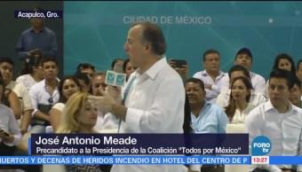 Meade se reúne con simpatizantes en Acapulco, Guerrero
