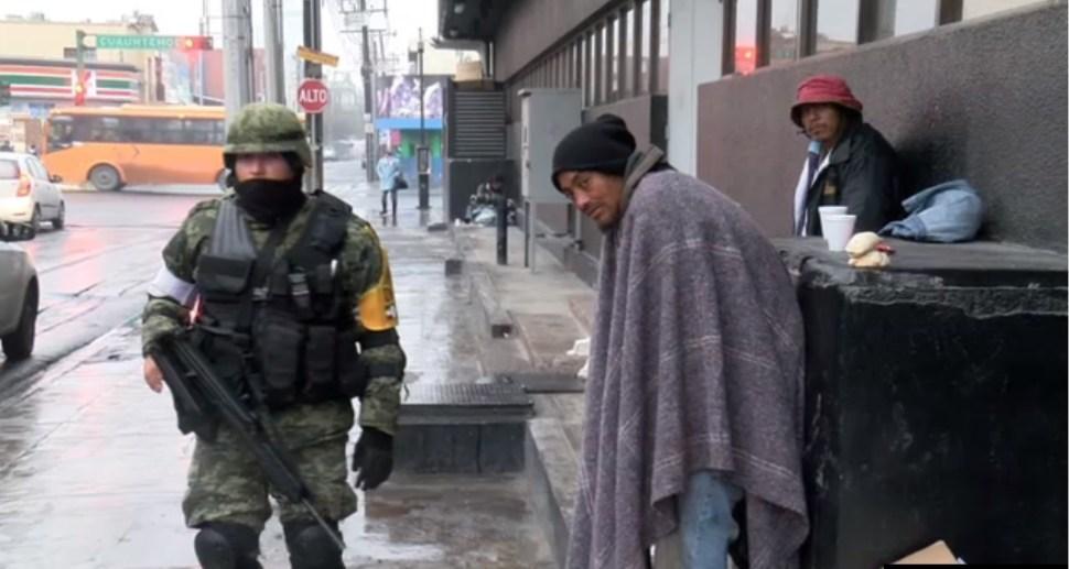 militares regalan cafe y pan en nuevo leon