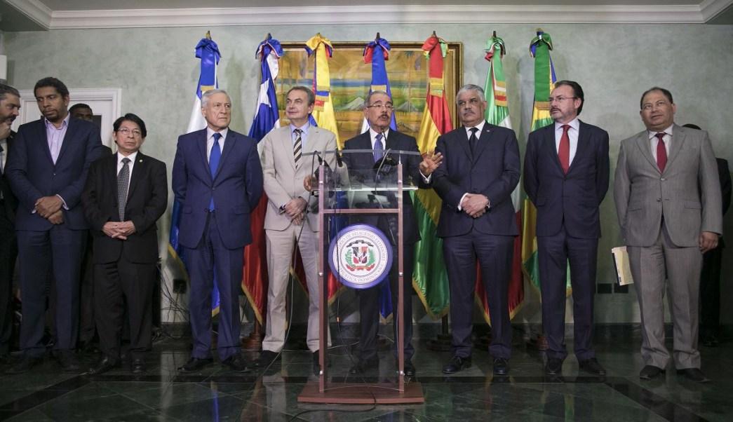 Maduro y oposición venezolana reanudan reunión en busca de un acuerdo