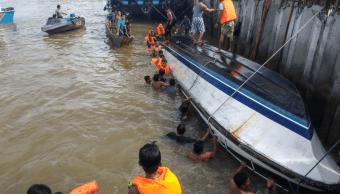 Naufragio en Indonesia deja doce muertos. (EFE)