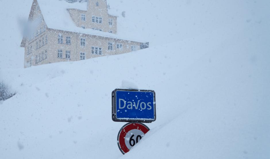 Fuerte nevada provoca caos en Foro de Davos