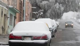 Caída de nieve reduce visibilidad en el aeropuerto de Saltillo