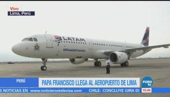 Papa Francisco llega al aeropuerto de Lima, Perú