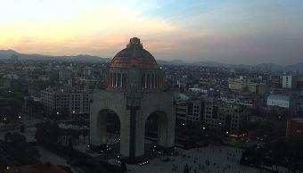 Pronostican cielo despejado y ambiente frío en la Ciudad de México