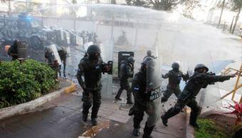 protesta contra supuesto fraude electoral en Honduras deja al menos 20 lesionados