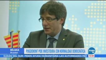 Puigdemont se reúne con el presidente del Parlamento catalán