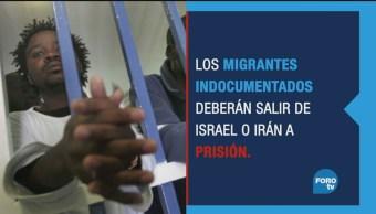 Refugiados africanos: avión o prisión