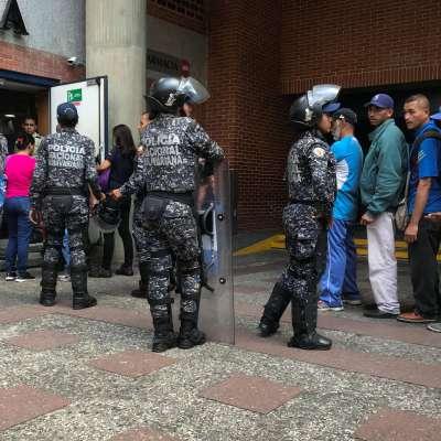 Persisten saqueos a comercios por falta de alimentos en Venezuela