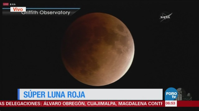 Se registra eclipse total de Luna en México