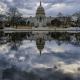 Senadores demócratas respaldan medida temporal para reabrir el gobierno