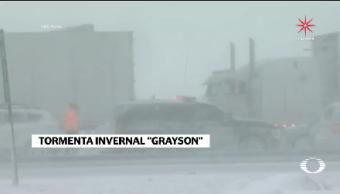 Tormenta Invernal Grayson Obliga Cancelar Vuelos Nueva York