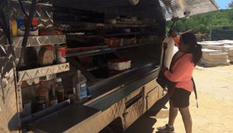 Una empleada salvadoreña en Estados Unidos. (AP, archivo)