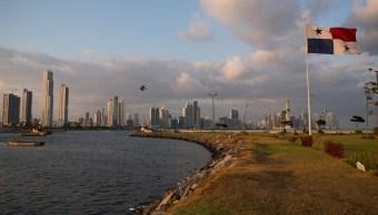 Eliminan a Panamá de lista negra sobre paraísos fiscales