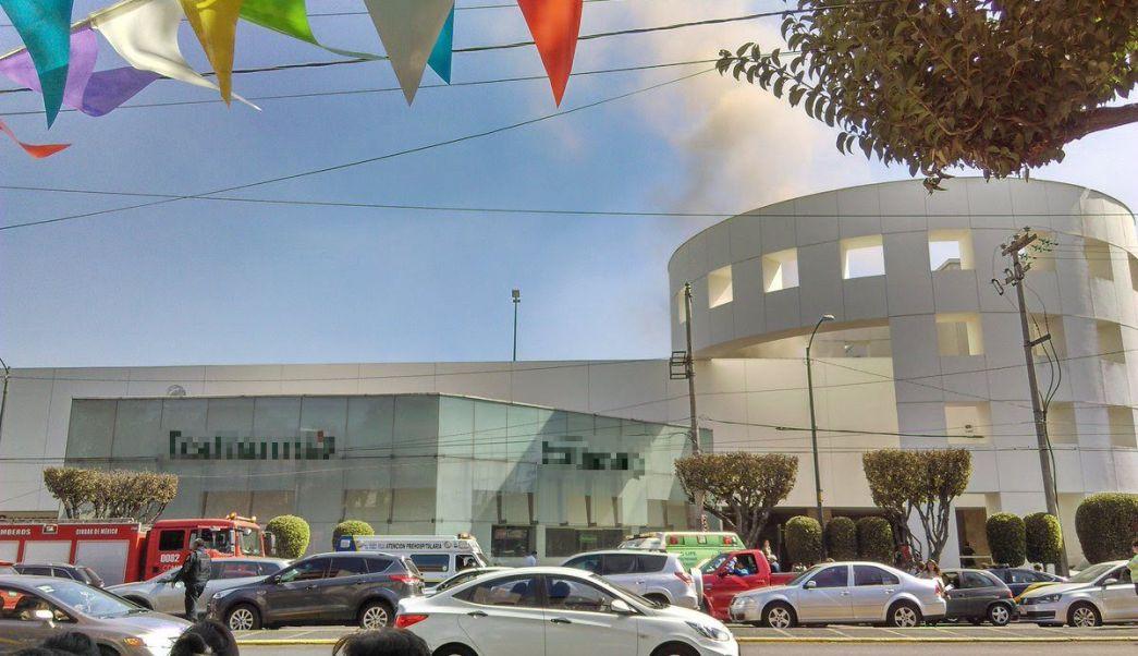 Se registra un incendio en Plaza Universidad