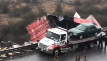 Lluvia e imprudencia provocan al menos 10 choques en Monterrey