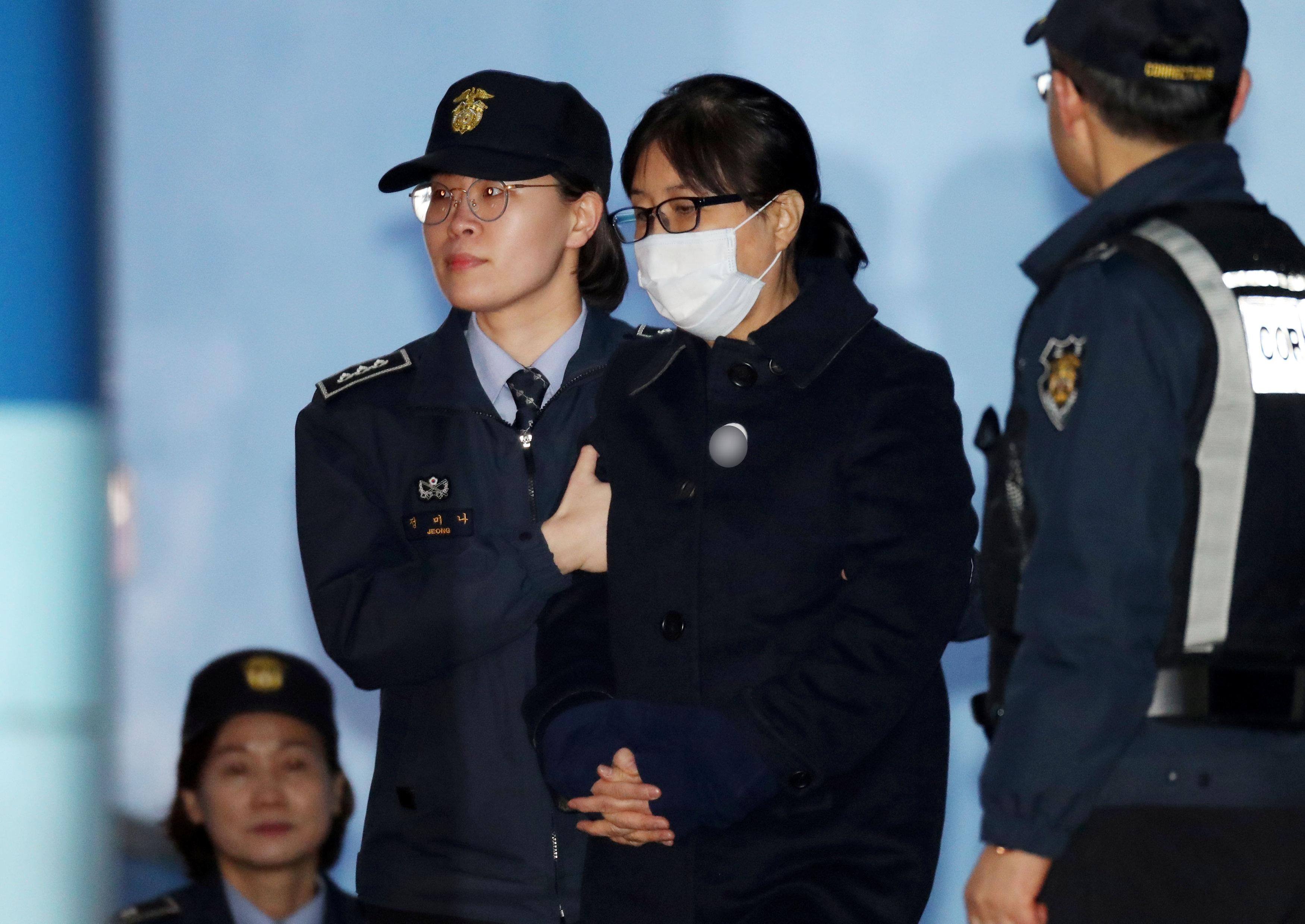 La Justicia dictamina 20 años de cárcel para Choi Soon Sil