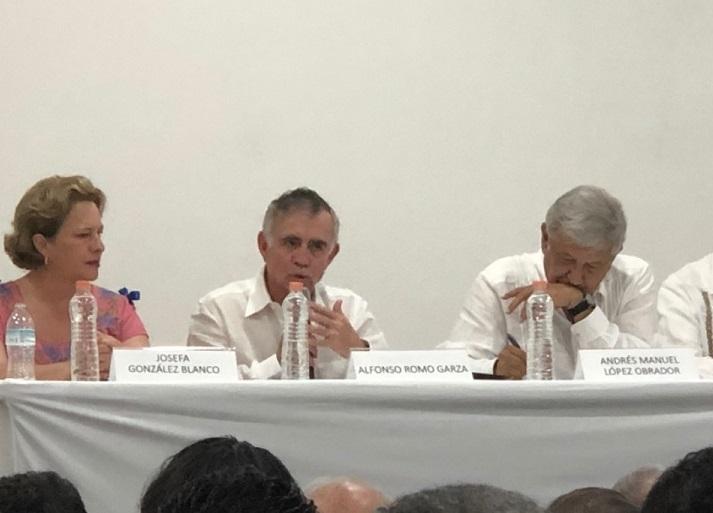 Colaborador de AMLO compara a Gómez Urrutia con Nelson Mandela