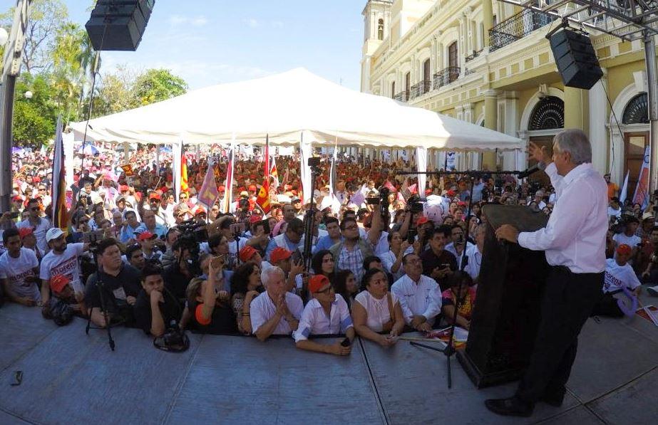 AMLO promete reactivación del campo en Colima