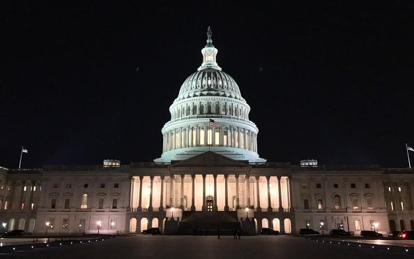 Avanza iniciativa para mantener abierto el gobierno federal en EUA