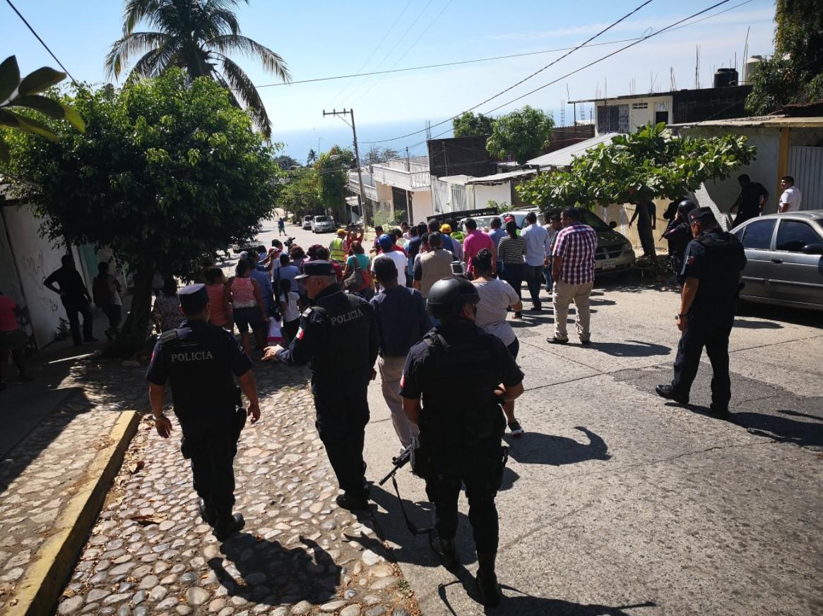 Acribillan a féminas y hombre en la Rufo Figueroa de Acapulco