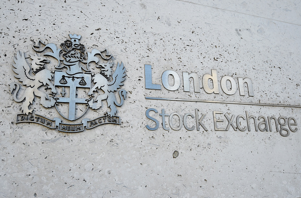Bolsas de Asia se desploman en línea con Wall Street