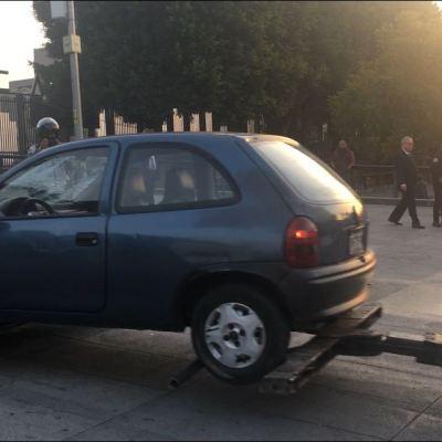 Conductor ebrio choca contra rejas de la Basílica de Guadalupe, CDMX