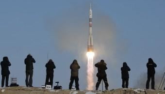 rusia lanza 11 satelites sin incidentes nuevo cosmodromo