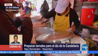 Decenas hacen fila para comprar tamales sobre Fray Servando, CDMX