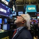 Dow Jones cae más de 24,000 puntos al cierre