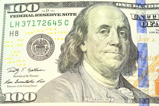 El dólar abre en 19.99 pesos a la venta