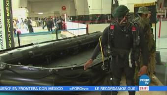 Exposición militar llega a la estación Buenavista del tren suburbano