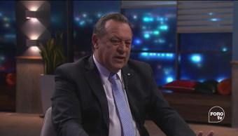 Genaro Lozano entrevistas a José Gustavo Santos