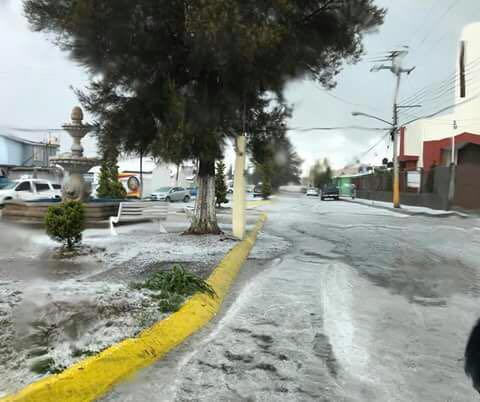 Granizada sorprende a habitantes de Fresnillo, Zacatecas