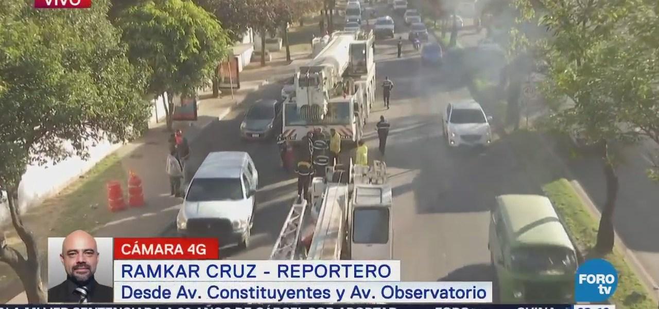 Grúa se descompone en carriles centrales de avenida Constituyentes, CDMX