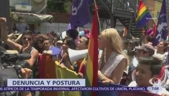 Integrantes de la comunidad LGBTTTI denuncian a Mikel Arriola