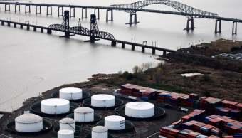 Suben inventarios de crudo y gasolina en Estados Unidos