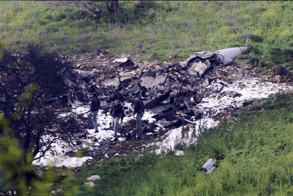 Israel lanza ataques en Siria tras estrellarse un F-16